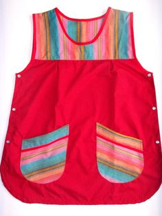 Guardapolvos Docentes Diseño A Elección Colores Aguayo - $ 450,00 en MercadoLibre Cute Scrubs, Cute Aprons, Sewing Aprons, Kids Apron, Love Sewing, Scrub Tops, Costume, Kids Wear, Kids Outfits