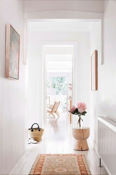 Inside The Beauty Chef's stunning Bondi home is part of diy-home-decor - Carla Oates, the founder of The Beauty Chef, has let us inside her jawdropping Bondi home, which she renovated with her husband in 2013 Interior Design Inspiration, Home Decor Inspiration, Hallway Inspiration, Decor Ideas, Style At Home, Cheap Home Decor, Diy Home Decor, Decoration Hall, Home Design