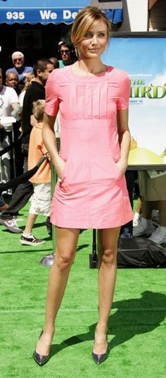 Cameron Diaz in pink Chanel dress
