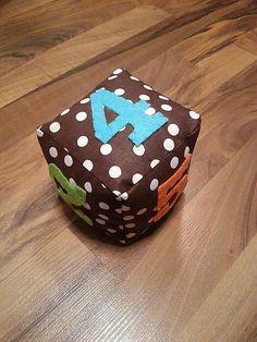KristinaTasrJurcak / látková kocka pre najmenších
