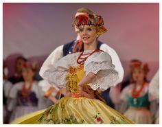 """Bytom folk costume - Zespół Pieśni i Tańca """"Śląsk"""", Poland"""