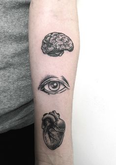 50 Seriously Impressive Dotwork Tattoos on We Heart It Pretty Tattoos, Love Tattoos, Beautiful Tattoos, Black Tattoos, Heart Tattoos, Tatoos, Ojo Tattoo, Brain Tattoo, Dot Work Tattoo