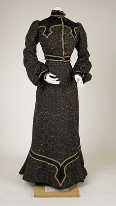 Suit Date: ca. 1902 Culture: French Medium: wool Accession Number: C.I.44.48.1a, b
