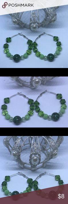 GREEN ANIMAL PRINT HOOPS ( HANDMADE ) GIFT YOURSELF OR A LOVED ONE WITH THESE BEAUTIFUL GREEN AND ANIMAL PRINT HOOPS ARE 2 INCHES. THESE EARRINGS WILL BE THE PERFECT ADDITION TO YOUR JEWELRY COLLECTION OR A FAMILY MEMBERS AND COME ESPECIALLY MADE FOR YOU BUY LAQUEEN'S ROYAL BOUTIQUE 😊 EACH PIECE YOU BUY FROM LAQUEEN'S ROYAL BOUTIQUE COMES ON AN EARRING CARD AND PACKAGED. EACH PIECE YOU BUY FROM LQRB YOU BUY A PRODUCT WHICH IS MADE FOR YOU 😁 COLOR MAY NOT BE AS PICTURED Jewelry Earrings