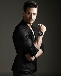 Bollywood Couples, Bollywood Stars, Beautiful Bollywood Actress, Most Beautiful Indian Actress, Tiger Shroff Body, New Movie Song, Glamour World, Tiger Love, Beautiful Blonde Girl