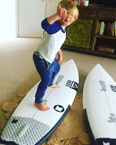 One cool grommet #shaka with lots of #grommetfroth for Dads ( @modomsurf) Christmas present to self.....two custom #strappersurfboards shaped by John ROBBO Robertson and #modomsurf grip. Ready to rule #janjuc this #summer #strappersurf #localownedandoperated by strappersurf http://ift.tt/1X8VXis