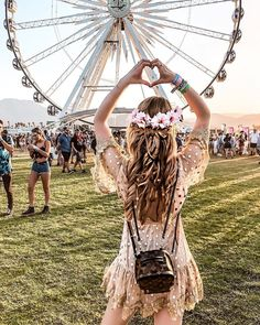 Coachella Festival Style & Inspo ✨💗✨ Which of these looks is your fav ? 1 , 2 , 3 or 4 Coachella Festival, Music Festival Outfits, Festival Dress, Festival Fashion, Festival Girls, Best Coachella Outfits, Coachella Looks, Rave Outfits, Coachella Dress
