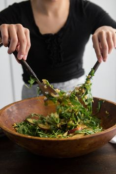 WMF Cutlery And Cookware - One Of The Most Trustworthy Cookware Producers Plum Salad With Kamut And Goat Cheese Naturallyella Great Salad Recipes, Whole Food Recipes, Healthy Recipes, Autumn Recipes Vegetarian, Thanksgiving Recipes, Vegetarian Food, Vegan Food, Healthy Cooking, Healthy Eating