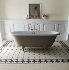 #Bathroom inspirational ideas for your renovation project - stunning black and white tiles - Buxton Border 10cm Black/White http://www.myrenovationstore.com
