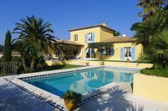 Beautiful villa with lots of space and a great view #St_Maxime  Beautiful house with panoramic views over the bay of Saint-Tropez.   Located in a private domain. Spacious villa with large terraces.  Beautiful and large heated pool.  Landscaped garden with spectacular sea views https://aiximmo.ch/?p=213227  #frenchriviera #cotedazur #mallorca #marbella #sainttropez #sttropez #nice #cannes #antibes #montecarlo #estate #luxe #provence #immobilier #luxury #france #spain #mon