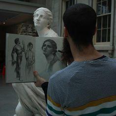 Cesar Santos sketching