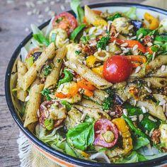 Bloemkooltaart van Yotam Ottolenghi - It's a food life Grilled Fish Recipes, Indonesian Food, Indonesian Recipes, Punch Recipes, Summer Drinks, I Love Food, Paella, Pasta Salad, Crockpot