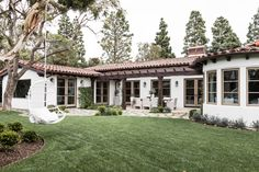 A Classic Meets Modern, White Inspired SoCal Home - Modern ranch style homes - Mission Style Homes, Hacienda Style Homes, Spanish Style Homes, Ranch Style Homes, Spanish House, Spanish Revival, Spanish Colonial, Spanish Bungalow, Spanish Exterior