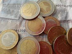 'Onbetaald werk is onbetaalbaar' (Auteur: @CorienOenema) :http://www.socialmediasocialmedia.nl/strategie_nieuws/onbetaald-werk-is-onbetaalbaar-auteur-corienoenema/