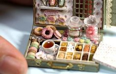 Tomo Tanaka created dollhouse-sized Paris-inspired café fare. Every item is made to scale and is 1/12 of the original size.