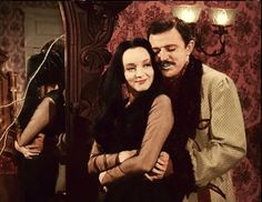 Gomez and Morticia Addams The Addams Family 1964, Addams Family Tv Show, Family Values, Family Love, Dark Beauty, Morticia And Gomez Addams, Charles Addams, Carolyn Jones, The Addams Family