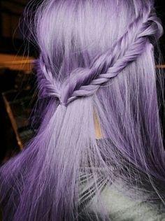 Imagen vía We Heart It #boho #colorhair #coloredhair #cool #cute #grunge #hair #hairstyle #hipster #indie #pale #purplehair #vintage #haircolor #grungehair #pastelhair #pastelgrunge #palegrunge