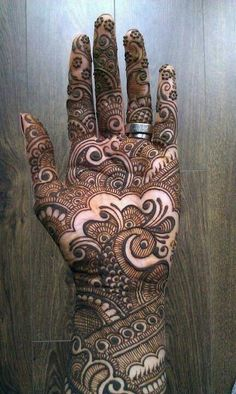 Gorgeous mehandi design