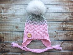 Real fur pompom hat knit winter hat large fox by BoutiqueDeHelene Pom Pom Hat, Knitted Hats, Winter Hats, Fox, Knitting, Trending Outfits, Unique Jewelry, Handmade Gifts, Etsy