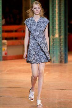 Kenzo Fall 2013 Ready-to-Wear Fashion Show - Julia Nobis (Viva)