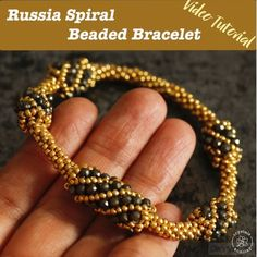 Learn step-by-step how to make a beaded spiral bracelet using Russia spiral beading technique. Learn step-by-step how to make a beaded spiral bracelet using Russia spiral beading technique. Beaded Bracelets Tutorial, Beaded Bracelet Patterns, Beaded Earrings, Gold Earrings, Embroidery Bracelets, Unique Earrings, Bracelet Designs, Vintage Earrings, Seed Bead Jewelry