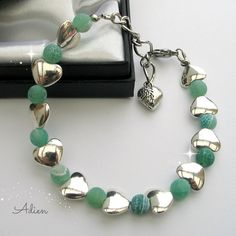 Crackle Green and Silver Hearts Bracelet £9.95