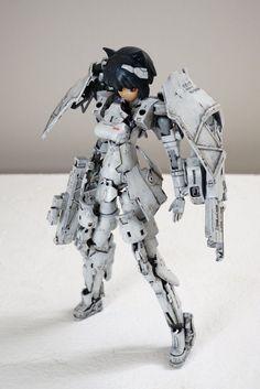 Robot Concept Art, Armor Concept, Dummy Doll, Gundam Tutorial, Woman Mechanic, Frame Arms Girl, Cool Robots, Robot Girl, Anime Figurines