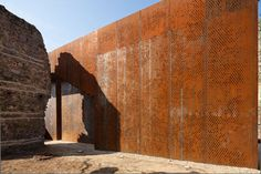 Corten steel. Replacing some missing ruins of the Szatmáry Palace. Project by MARP