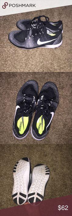 Nike women's Nike free sz 10 Women's Nike shoes. Nike free. Sz 10. Black and white. Nike Shoes Athletic Shoes