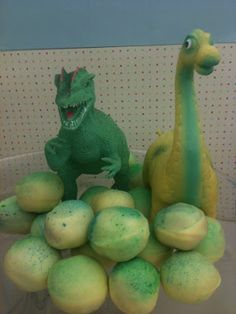 The Wollitzes: Dinosaur Cake Balls
