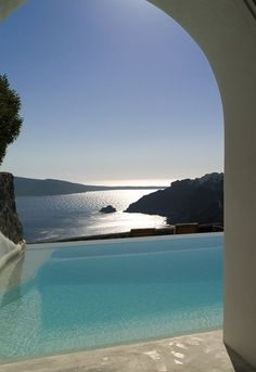 Outdoor pool at Perivolas, Santorini, Greece Oia Santorini, Santorini Island, Luxury Hotels, Luxury Travel, Places To Travel, Places To See, Travel Aesthetic, Vacation Places, Travel Photography