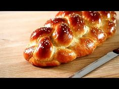 Jalá (challah) chernovitska – Homemade sweet bread – Famous Last Words Hispanic Kitchen, Mexican Dinner Recipes, Challah, Polish Recipes, Sweet Bread, Sin Gluten, Bakery, Homemade, Snacks