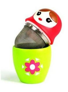 infusores de té con forma de matrioskas