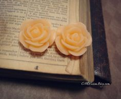 10pcs Matte Peach  18mm Detailed Ruffled Resin Rose  by CMVision