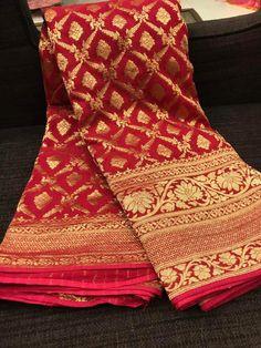 Banaras Sarees, Khadi Saree, Georgette Sarees, Sari, Chiffon Saree, Cotton Saree Designs, Wedding Saree Blouse Designs, Saree Wedding, Saree Designs Party Wear