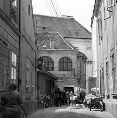 Vasvári Pál utca a Táncsics Mihály utca felől nézve.