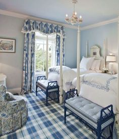 Blue and White Bedroom Decor Lovely Blue & White Bedroom with Gingham and Tartan Blue Rooms, White Rooms, Beautiful Bedrooms, Beautiful Interiors, Blue Master Bedroom, Pretty Bedroom, Casa Retro, Home And Deco, White Houses