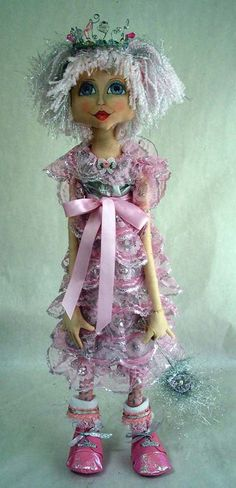 Sugar Plum fairy Doll shape of the face  Originally pinned by Lesley Cameron onto Dolls & Crafty Creations...
