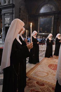 Catholic Art, Roman Catholic, Nuns Habits, Spiritual Prayers, Religion, Jesus Christus, Bride Of Christ, Santa Teresa, Jesus Pictures