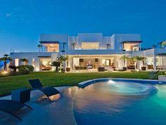 Hilltop Villa near Sea - Villa Mestre - Villa Rentals,