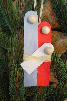 Mary and Joseph with baby Jesus - Weihnachten_Winter - noel Preschool Christmas, Christmas Nativity, Noel Christmas, Christmas Activities, Christmas Crafts For Kids, Craft Stick Crafts, Christmas Projects, Simple Christmas, Christmas Tree Ornaments