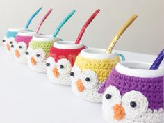 BúhoMates — Mate con funda y bombilla. Pandora Objetos con Aura Crochet Coffee Cozy, Crochet Cozy, Love Crochet, Knitting Projects, Crochet Projects, Crochet Kitchen, Easy Crochet Patterns, Crochet Animals, Crafts