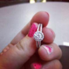 <3 diamond ring OMG i want it is soooooooo.........peng<3