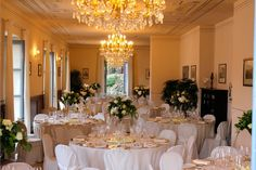Lake Como, Italy. The Amethyst of Bellagio. The indoor dining room for your private event. More pictures on www.lakecomoweddingdream.com #lakecomo #lakecomowedding #destinationwedding #lakecomovenues
