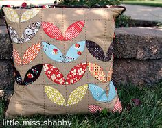 Fall Petal Pillow little.miss.shabby - quilt inspiration
