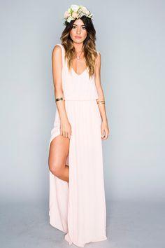 http://chicerman.com everythingsparklywhite:  Mumu bridesmaid #weddingsuits