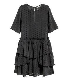 Kleid mit Lochstickereien | Nearly Black | Damen | H&M DE