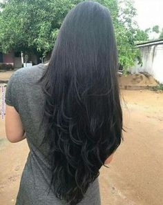 trendy haircut for long hair v cut beautiful O cabelo preto é Long Hair V Cut, V Cut Hair, Medium Thin Hair, Long Black Hair, Long Layered Hair, Hair Cuts, Haircuts For Long Hair, Pinterest Hair, Super Long Hair
