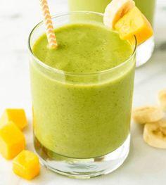 Mango smoothie gezond? Wist je dat mango een ontzettend gezonde fruitsoort is? Deze tropische vrucht geeft een zoete tint aan je gerechten en bevat veel ijzer en vitamine C. Daarnaast verbetert het eten van mango je stofwisseling en is het goed voor je spijsvertering! Hierdoor worden de voedingsstoffen uit je eten beter opgenomen en krijg je meer energie. In deze smoothie is …