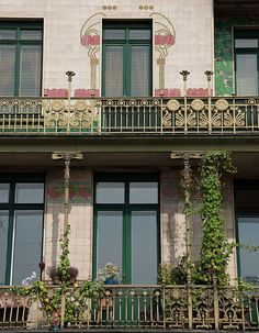 "majolica house "", 1899, arch. Otto Wagner; Vienna"
